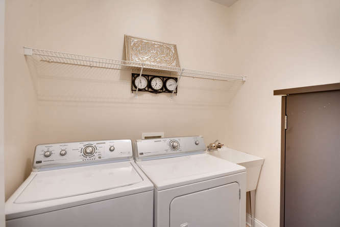 1590 Reserve Circle Decatur GA-small-030-37-Laundry Room-666x445-72dpi