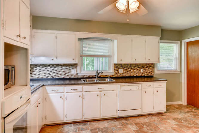3239 Rehoboth Drive Decatur GA-small-011-8-Kitchen-666x445-72dpi
