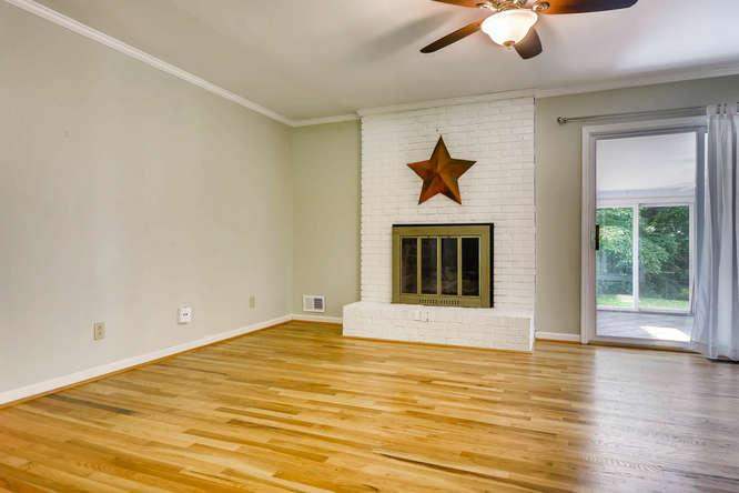 3239 Rehoboth Drive Decatur GA-small-018-11-Family Room-666x445-72dpi