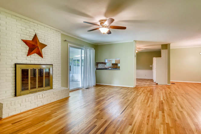3239 Rehoboth Drive Decatur GA-small-019-17-Family Room-666x445-72dpi