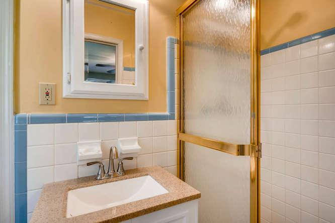 3239 Rehoboth Drive Decatur GA-small-025-21-2nd Floor Master Bathroom-666x445-72dpi