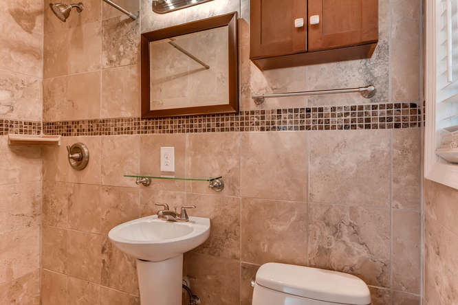 4260 Castle Pines Court Tucker-small-020-16-Master Bathroom-666x445-72dpi
