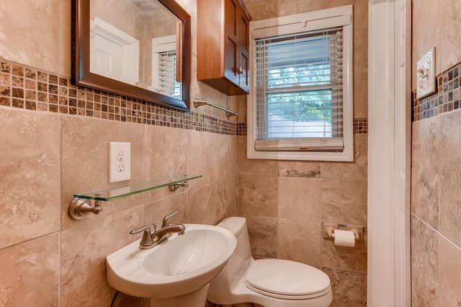 4260 Castle Pines Court Tucker-small-021-38-Master Bathroom-666x445-72dpi