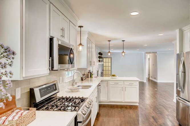 3002 Shenandoah Valley Rd NE-small-012-15-Kitchen-666x445-72dpi