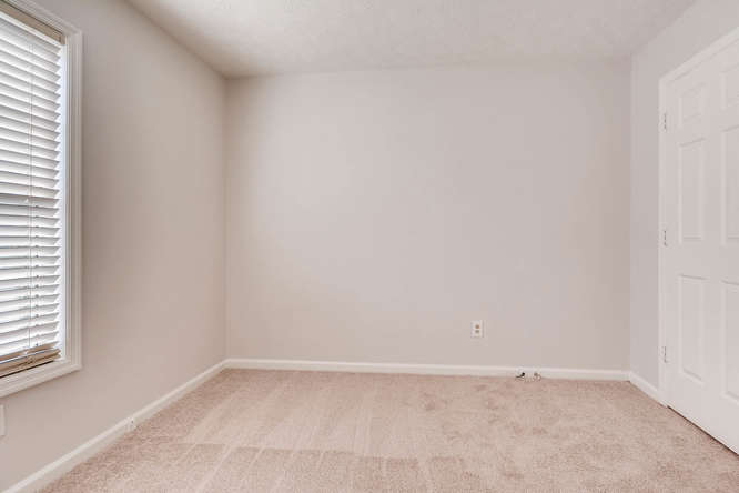 547 Ravinia Way Lawrenceville-small-033-40-2nd Floor Bedroom-666x445-72dpi