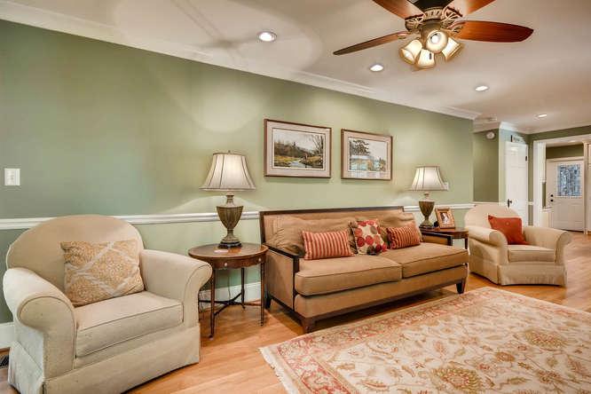 2075 Valiant Drive Atlanta GA-small-010-7-Living Room-666x445-72dpi