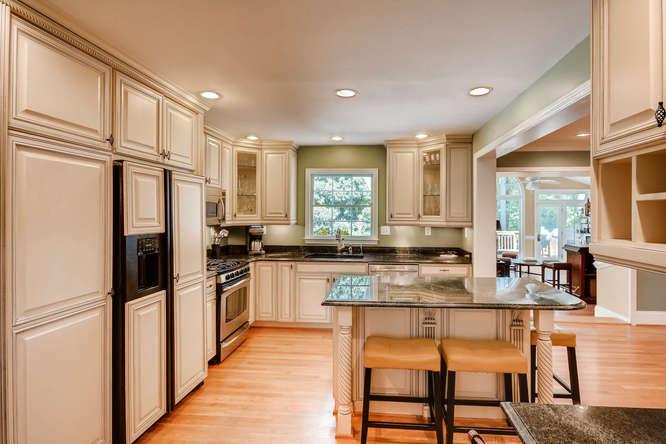2075 Valiant Drive Atlanta GA-small-016-11-Kitchen-666x445-72dpi