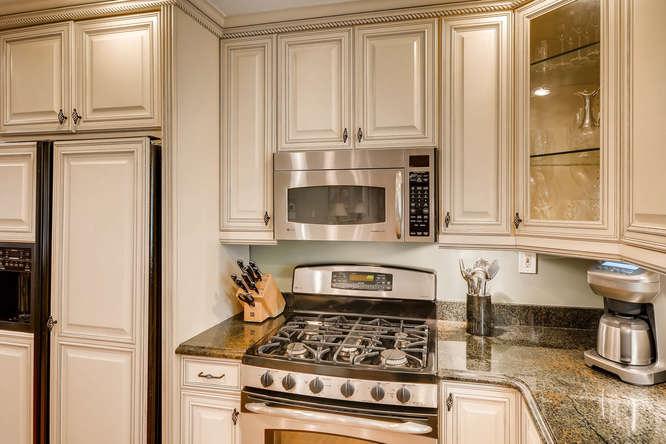 2075 Valiant Drive Atlanta GA-small-020-27-Kitchen Detail-666x445-72dpi