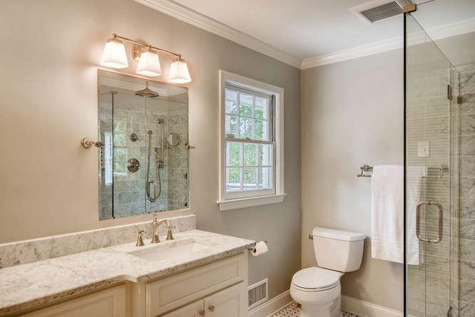 2075 Valiant Drive Atlanta GA-small-027-31-2nd Floor Master Bathroom-666x445-72dpi