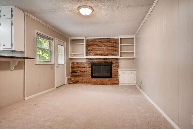 3048 Hudson Ct Decatur GA-small-015-17-Family Room-666x445-72dpi