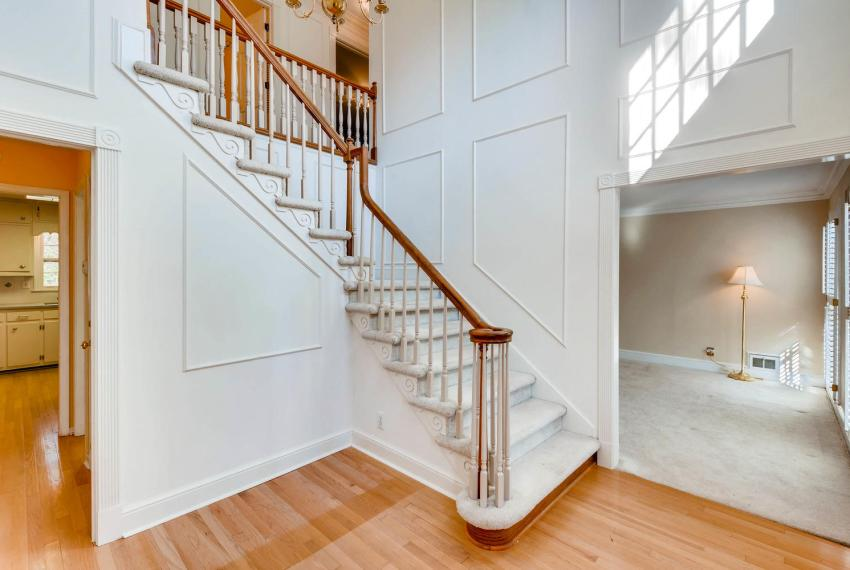 2556 midvale Forest Drive-large-006-1-Foyer-1500x1000-72dpi