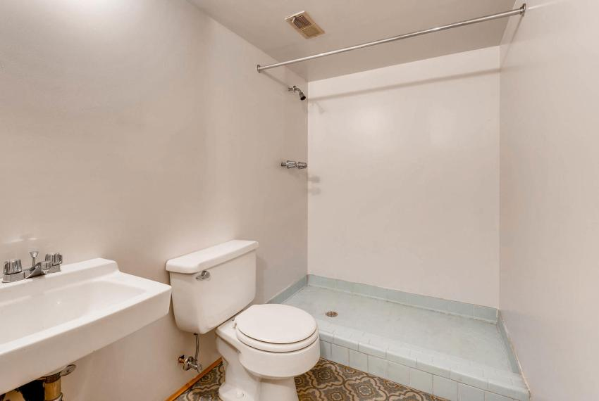 2556 midvale Forest Drive-large-034-14-Lower Level Bathroom-1499x1000-72dpi
