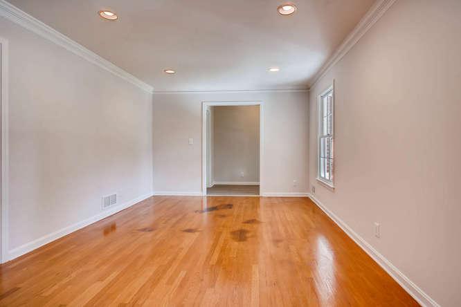 2882 Greenbush Place NE-small-008-1-Living Room-666x445-72dpi
