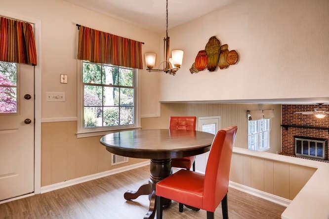 2882 Greenbush Place NE-small-015-16-Breakfast Area-666x445-72dpi