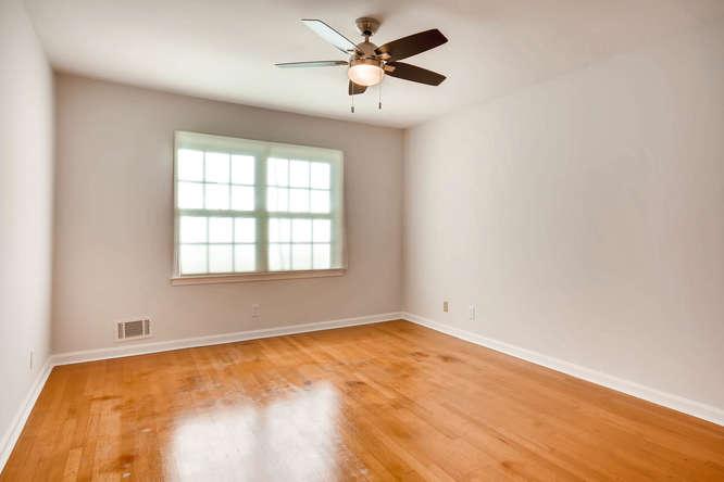 2882 Greenbush Place NE-small-022-19-2nd Floor Bedroom-666x445-72dpi