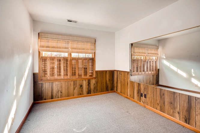 2882 Greenbush Place NE-small-031-21-Lower Level Bedroom-666x445-72dpi