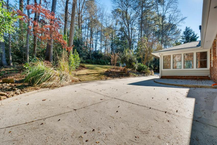 2103 Continental Drive Atlanta-large-040-42-Patio-1499x1000-72dpi