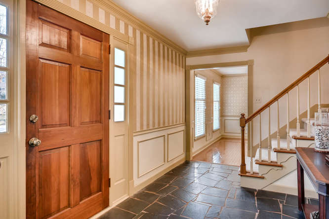 2548 Midvale Forest Drive-small-006-9-Foyer-666x445-72dpi