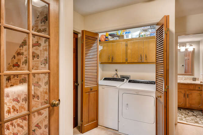2548 Midvale Forest Drive-small-031-22-Laundry Room-666x445-72dpi