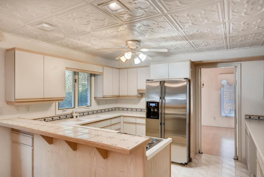 2620 Briarlake Rd NE Atlanta-large-011-6-Kitchen-1499x1000-72dpi