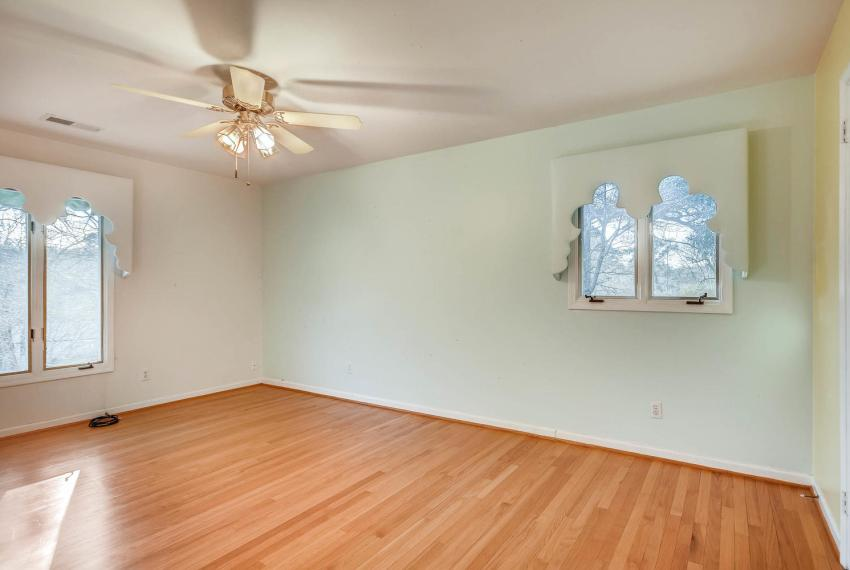 2620 Briarlake Rd NE Atlanta-large-024-21-2nd Floor Bedroom-1499x1000-72dpi