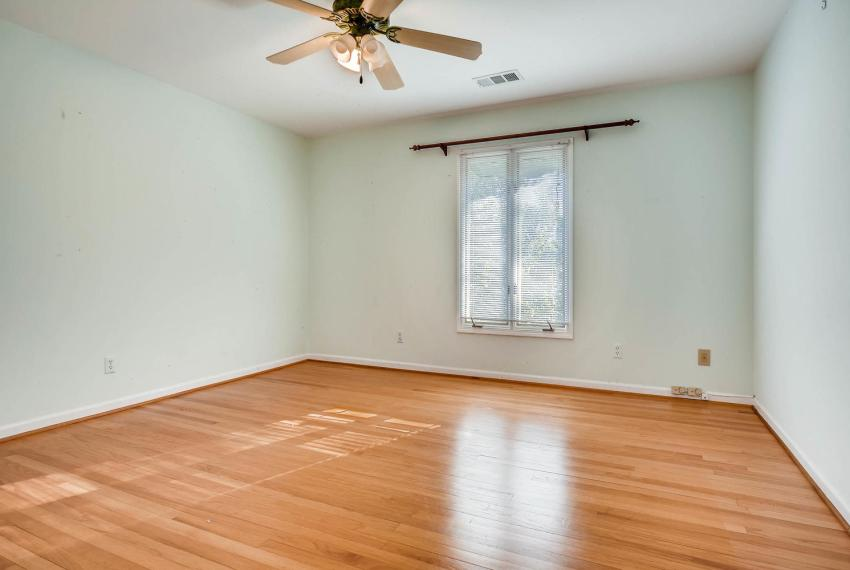 2620 Briarlake Rd NE Atlanta-large-025-18-2nd Floor Bedroom-1499x1000-72dpi