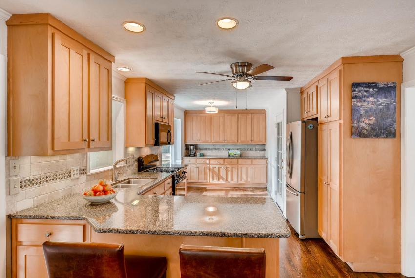 3075 Greenbrook Way NE Atlanta-large-012-22-Kitchen-1500x1000-72dpi