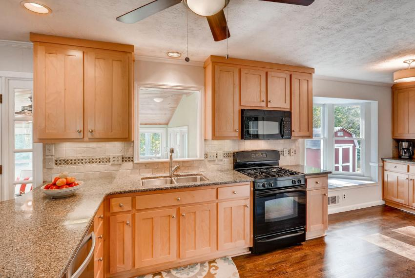 3075 Greenbrook Way NE Atlanta-large-016-25-Kitchen-1499x1000-72dpi