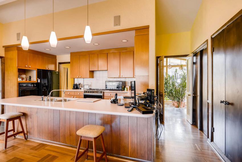 2072 Castleway Drive Atlanta-large-016-9-Kitchen-1499x1000-72dpi