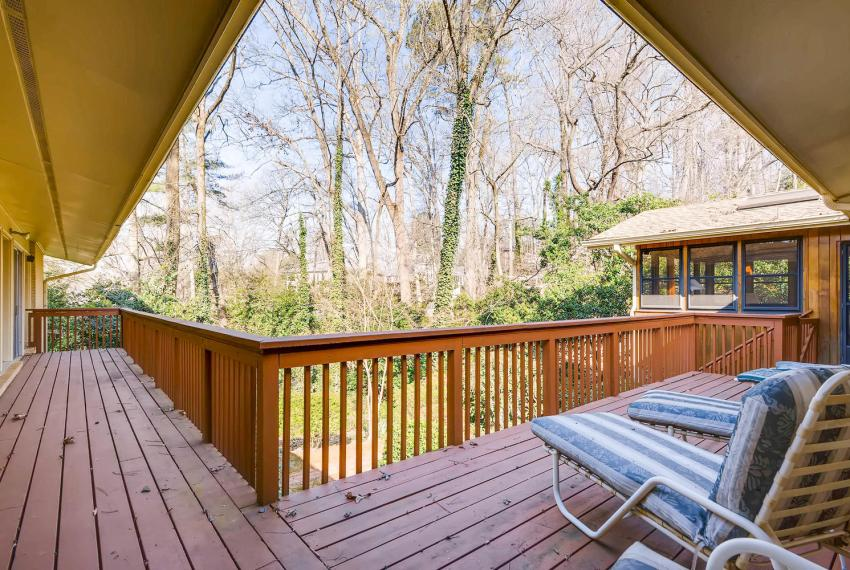 2072 Castleway Drive Atlanta-large-037-30-Deck-1499x1000-72dpi