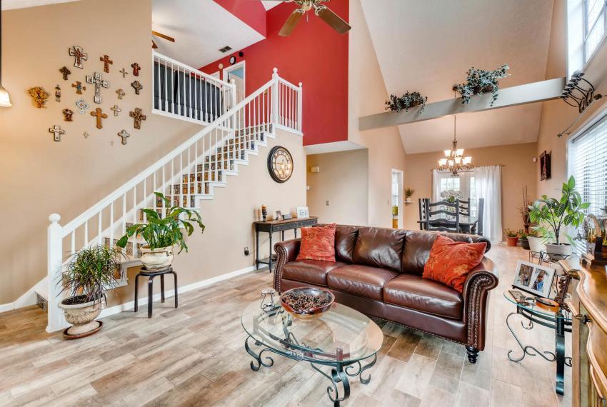 2417 Empire Forest Dr Tucker-large-004-4-Living Room-1499x1000-72dpi