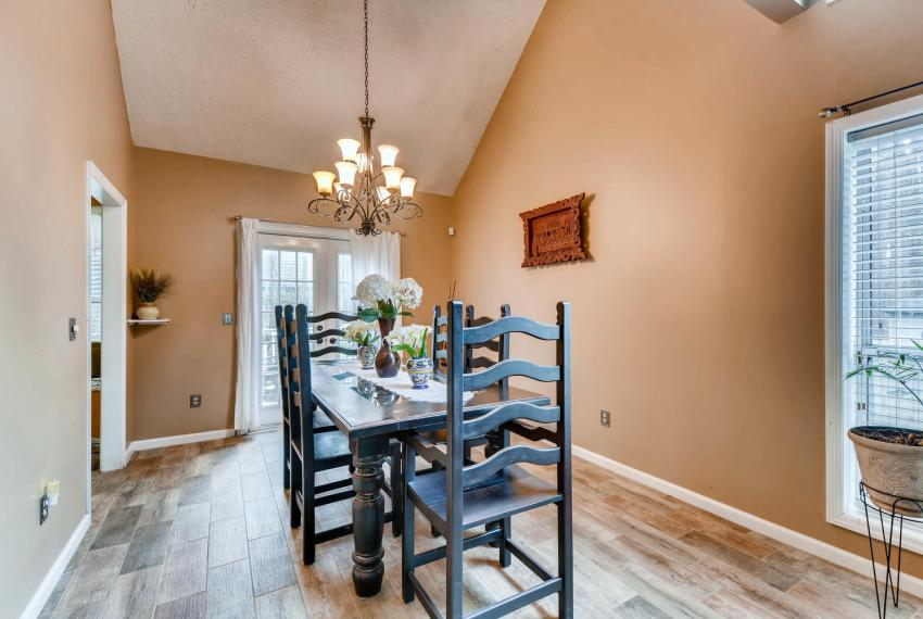 2417 Empire Forest Dr Tucker-large-006-10-Dining Room-1499x1000-72dpi