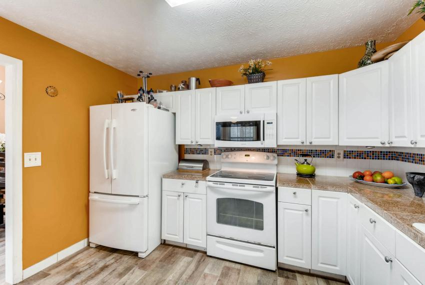 2417 Empire Forest Dr Tucker-large-009-8-Kitchen-1500x1000-72dpi