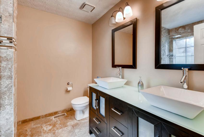 2417 Empire Forest Dr Tucker-large-014-27-Master Bathroom-1499x1000-72dpi