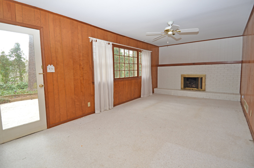 3718 Northbrook Court Atlanta GA 30340 16 Family room 1