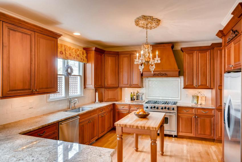821 Lakeglen Drive Suwanee GA-large-010-23-Kitchen-1500x1000-72dpi