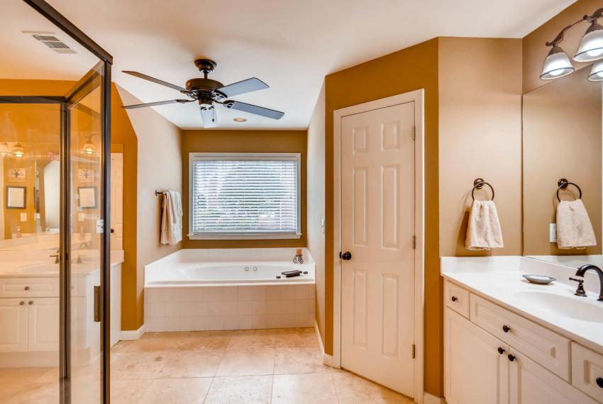 821 Lakeglen Drive Suwanee GA-large-023-25-2nd Floor Master Bathroom-1499x1000-72dpi