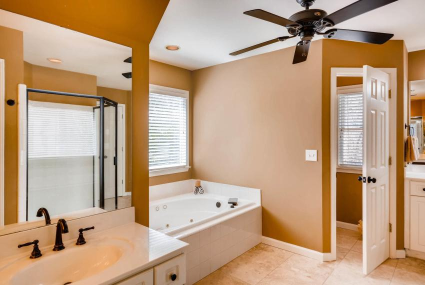 821 Lakeglen Drive Suwanee GA-large-024-16-2nd Floor Master Bathroom-1499x1000-72dpi