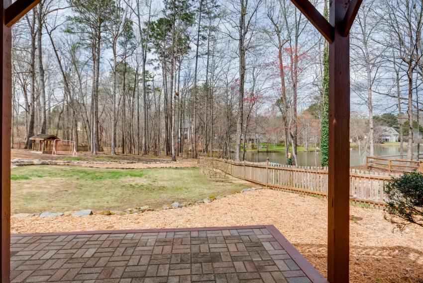 821 Lakeglen Drive Suwanee GA-large-038-37-Patio-1499x1000-72dpi