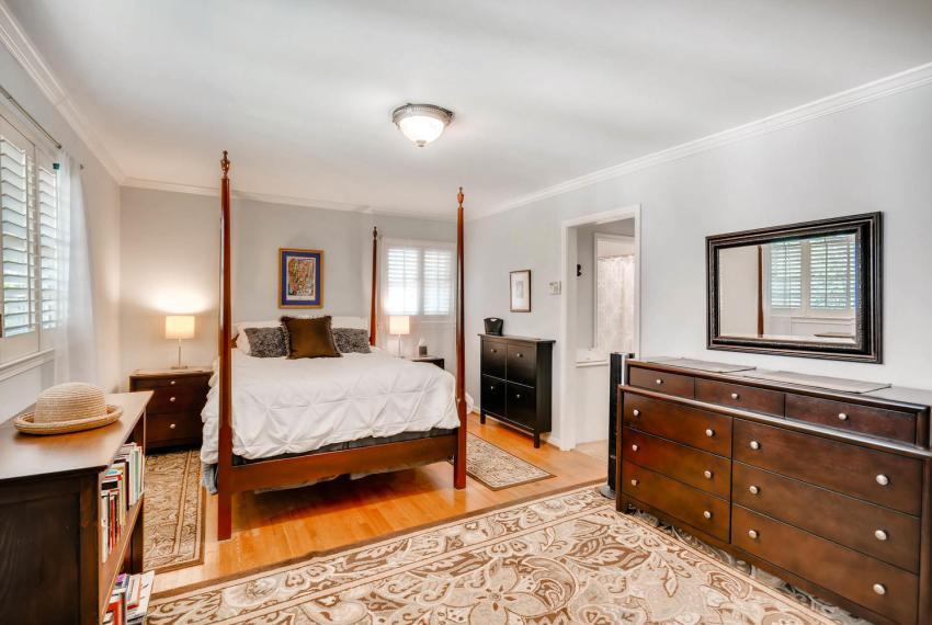 2895 Evans Woods Drive Atlanta-large-019-8-2nd Floor Master Bedroom-1499x1000-72dpi