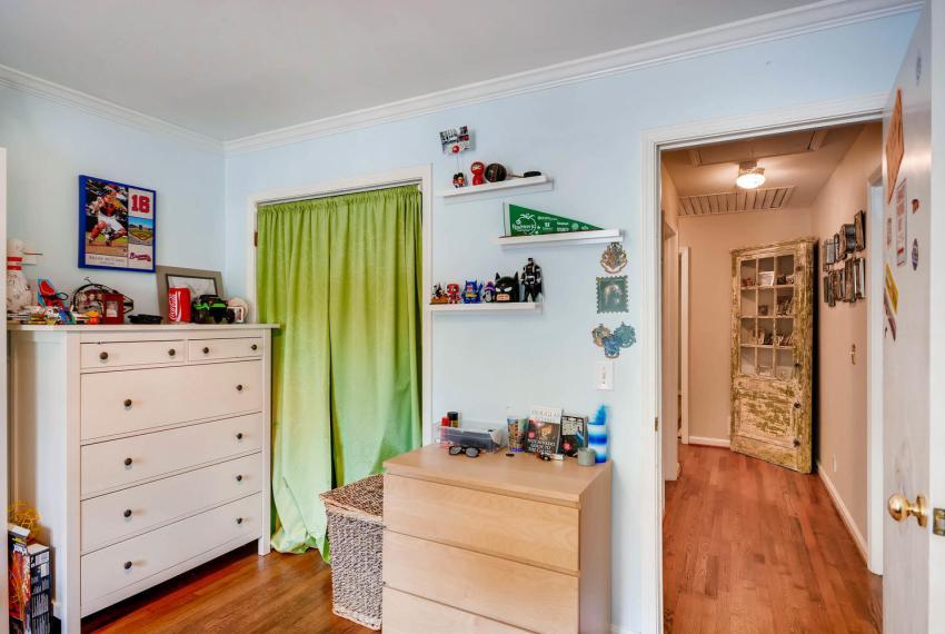 2895 Evans Woods Drive Atlanta-large-024-33-2nd Floor Bedroom-1499x1000-72dpi