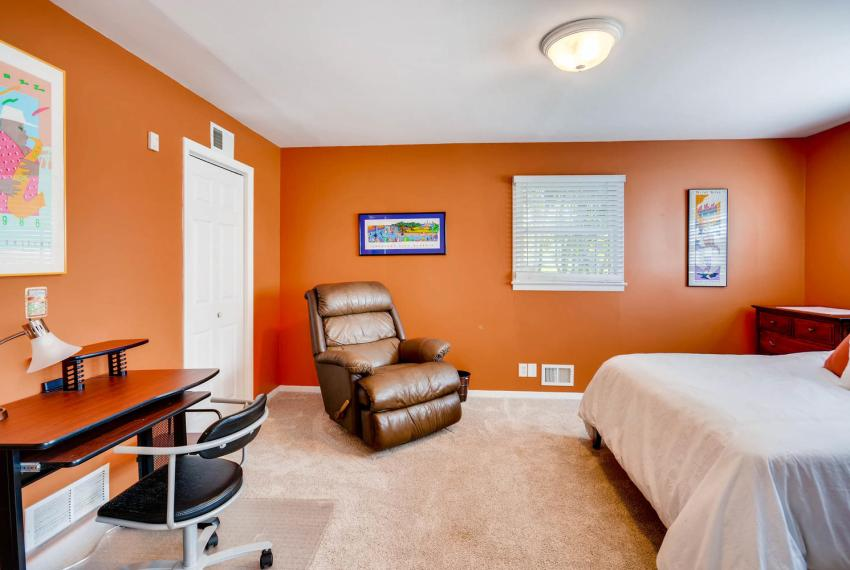 2895 Evans Woods Drive Atlanta-large-033-39-Lower Level Bedroom-1499x1000-72dpi