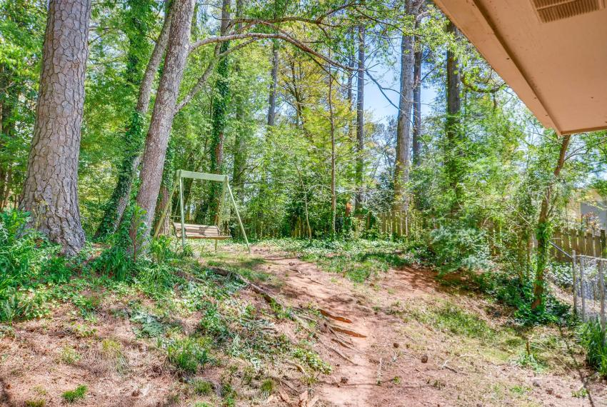 3961 Briaridge Circle Atlanta-large-040-35-Back Yard-1500x1000-72dpi