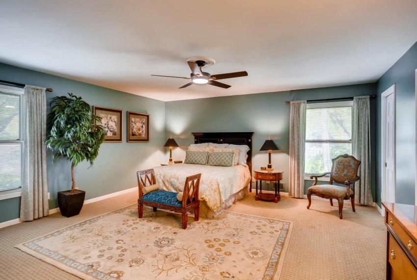 3982 Northlake Creek Ct Tucker-large-018-41-Master Bedroom-1499x1000-72dpi