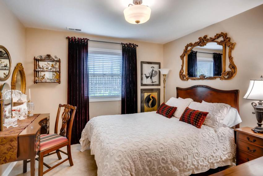 3982 Northlake Creek Ct Tucker-large-027-40-Lower Level Bedroom-1499x1000-72dpi