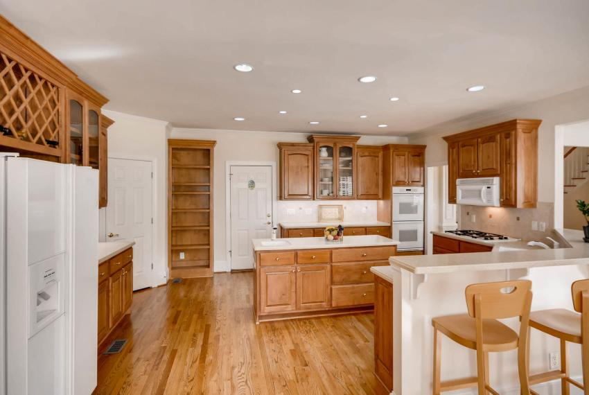 4477 Briarcliff Rd NE Atlanta-large-012-3-Kitchen-1499x1000-72dpi