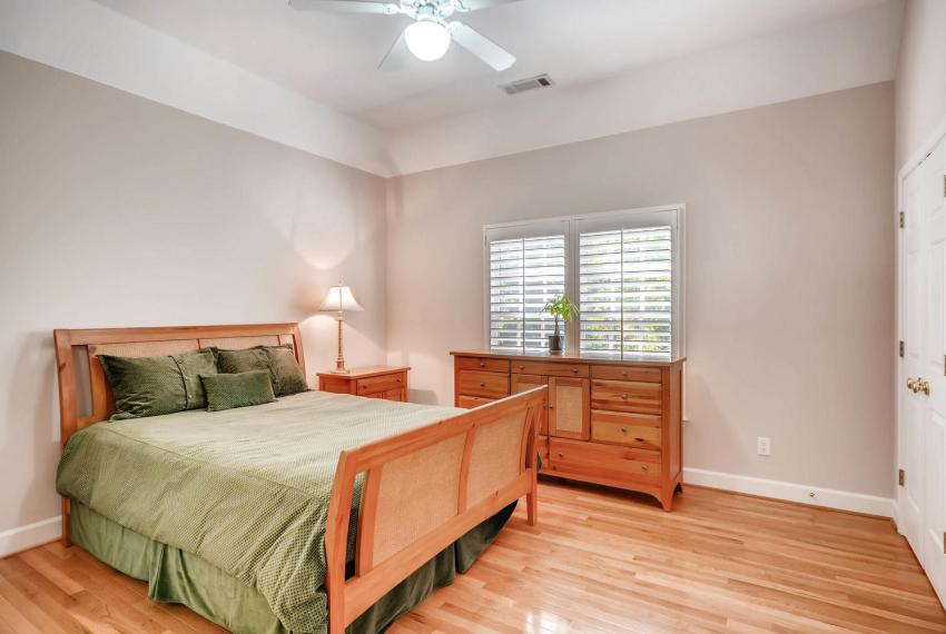 4477 Briarcliff Rd NE Atlanta-large-026-12-2nd Floor Bedroom-1499x1000-72dpi