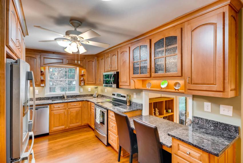 2794 Greenrock Trail Atlanta-large-011-3-Kitchen-1499x1000-72dpi