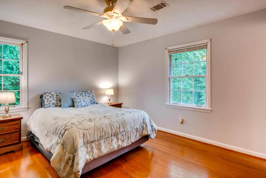 2794 Greenrock Trail Atlanta-large-015-24-2nd Floor Master Bedroom-1499x1000-72dpi