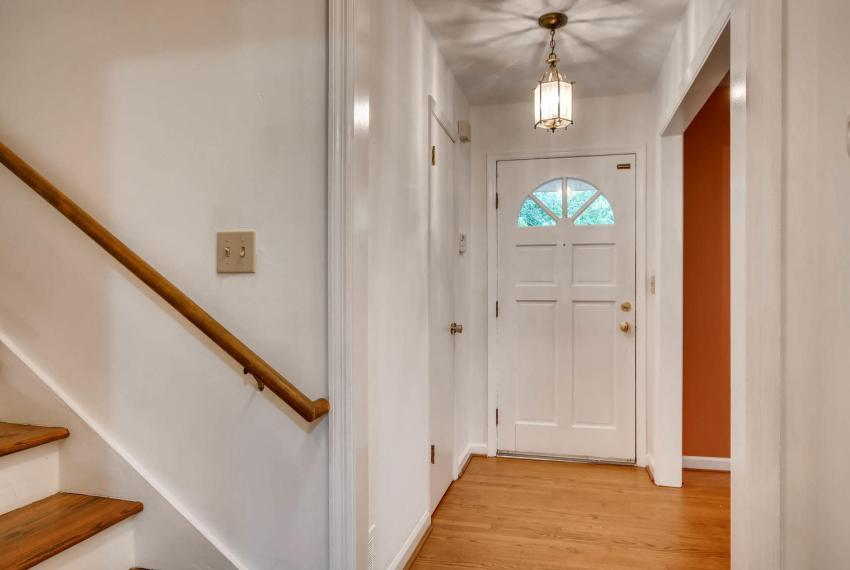 2794 Greenrock Trail Atlanta-large-031-23-Lower Level Foyer-1499x1000-72dpi
